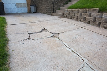 Concrete slab with spalling problem